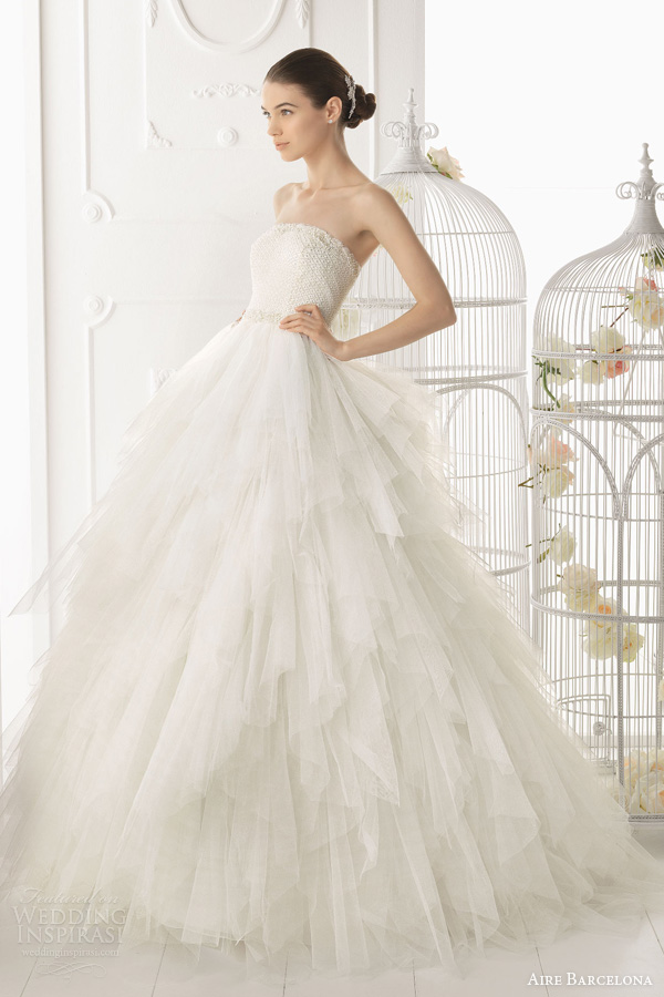 aire-barcelona-2014-ordesa-strapless-ball-gown-tiered-skirt-beaded-bodice 47+ Creative Wedding Ideas to Look Gorgeous & Catchy on Your Wedding