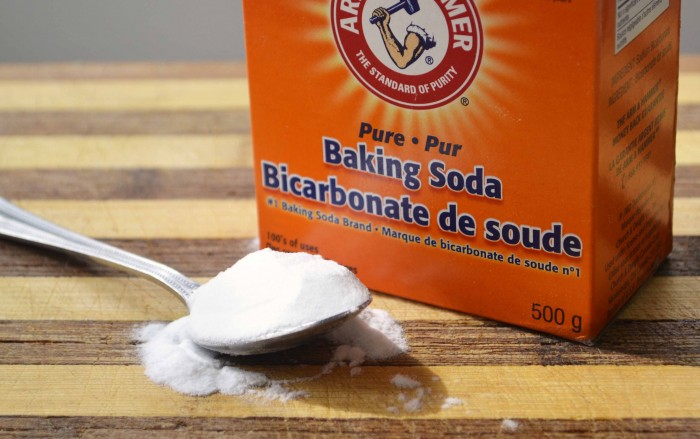 baking-soda-2 9 easy and simple home remedies for curing hair dandruff
