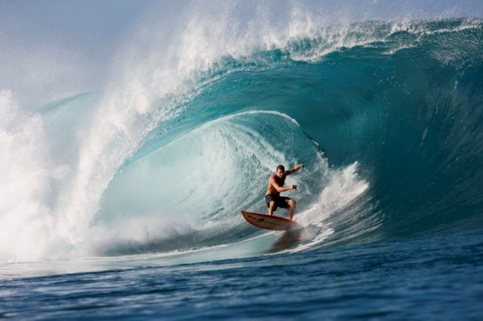 bd89f62c502a45bf_1 70 Stunning & Thrilling Photos for the Biggest Waves Ever Surfed