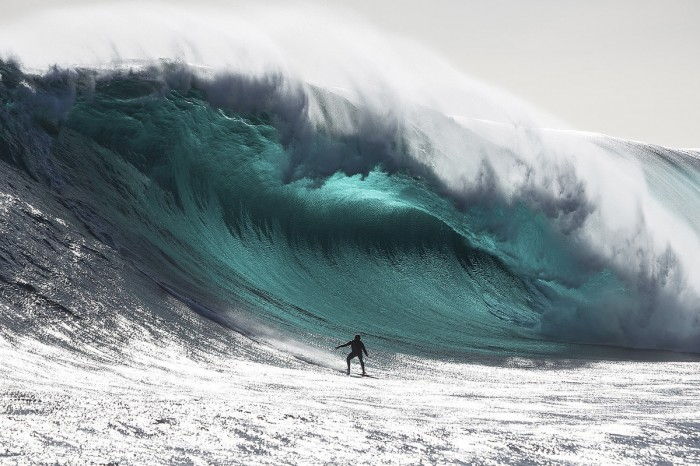 biggest-wave-ever-surfed-2013surfing-the-roosevelts-qfmamfzm 70 Stunning & Thrilling Photos for the Biggest Waves Ever Surfed