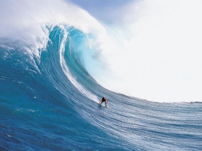 bigwavesurfing2 70 Stunning & Thrilling Photos for the Biggest Waves Ever Surfed