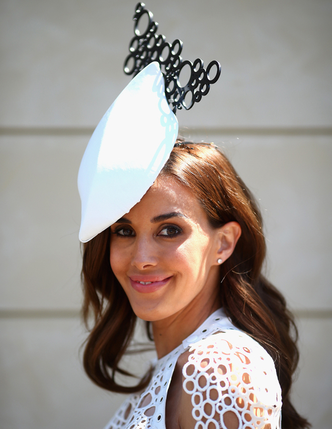 celebrities-at-the-2013-melbourne-cup-8 Melbourne Cup Is a Rich & Prestigious Horse Race that Stops a Nation