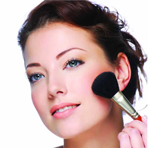 even-out-the-skin-tone-1374129823-makeup-occasion21 Learn How To Choose Colors Of Makeup Which Suits Your Skin Tone