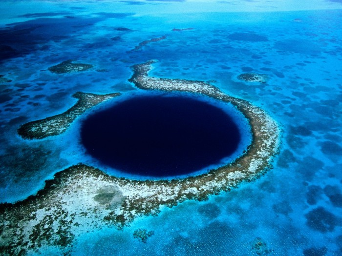 great-blue-hole2 Weird Blue Holes That Are Magnets for Divers Around the World