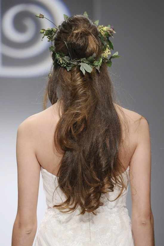 hair-11 47+ Creative Wedding Ideas to Look Gorgeous & Catchy on Your Wedding