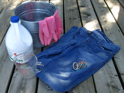 jeans8 Learn How To Keep Your Jeans From Bleeding While Washing