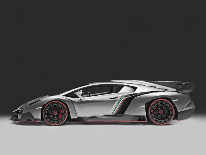 lamborghini_veneno_12 Lamborghini Veneno Allows You to Enjoy Driving At a High Speed