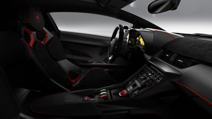 lamborghini_veneno_in_13_02 Lamborghini Veneno Allows You to Enjoy Driving At a High Speed