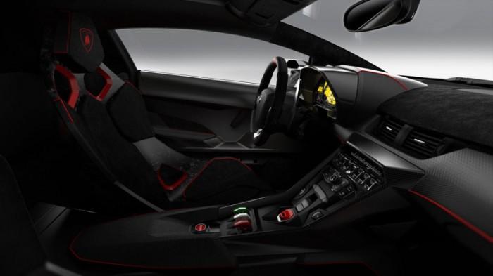 lamborghini_veneno_in_13_02 Lamborghini Veneno Allows You to Enjoy Driving At a High Speed