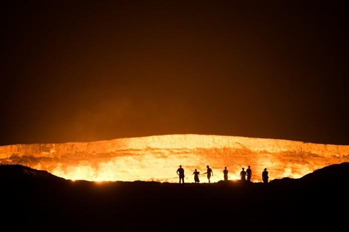 mongol-rally-team-detour-turkmenistan-door-gate-of-to-hell-derweze-burning-hole-karakum-desert-gas-crater-_DSC3011 The Door to Hell Is Open Now, Have You Ever Seen It?