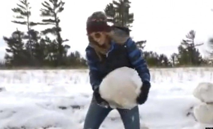 o-ICE-BOULDER-facebook Massive Ice Boulders Found in a Huge Number on Lake Michigan Shore