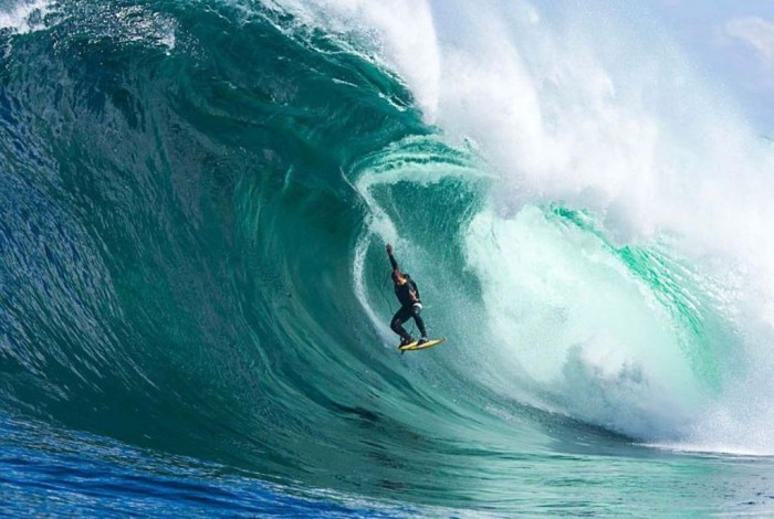 r334831_1515316 70 Stunning & Thrilling Photos for the Biggest Waves Ever Surfed