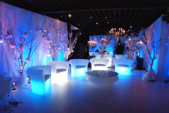 royalty-lounge-area 47+ Creative Wedding Ideas to Look Gorgeous & Catchy on Your Wedding