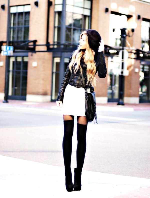 shoe-and-stocking-color-tall-2 10 Expert Tips For Women To Look Taller