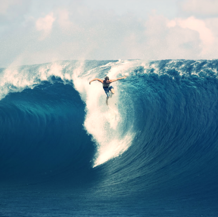 surfer_bailing_on_huge_wave_in_hawaii 70 Stunning & Thrilling Photos for the Biggest Waves Ever Surfed
