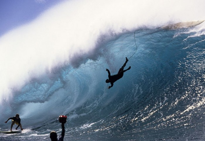 surfing-hawaii-2_1802735i 70 Stunning & Thrilling Photos for the Biggest Waves Ever Surfed