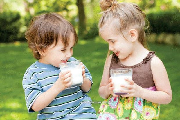 u2_Milk_drinking_kids 6 Health Benefits Of Drinking Milk For Both Kids And Adults