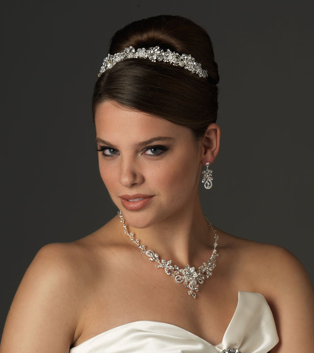 wedding-jewelry-trends-for-2013-2014 47+ Creative Wedding Ideas to Look Gorgeous & Catchy on Your Wedding