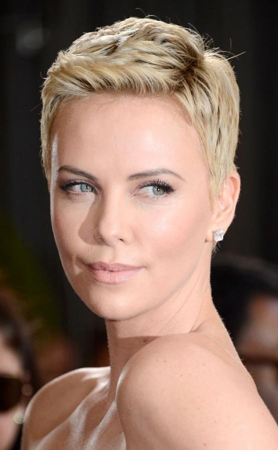 أجمل-المشاهير-5 20 Worst Celebrities Hairstyles