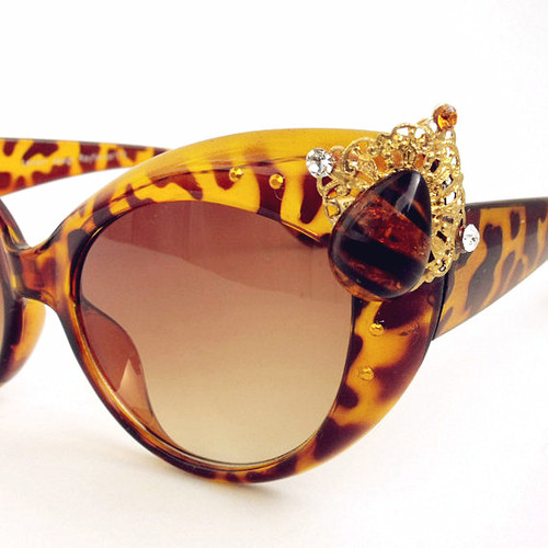 0004 39 Most Stylish Gold and Diamond Sunglasses in 2019