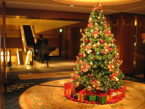 01 79 Amazing Christmas Tree Decorations