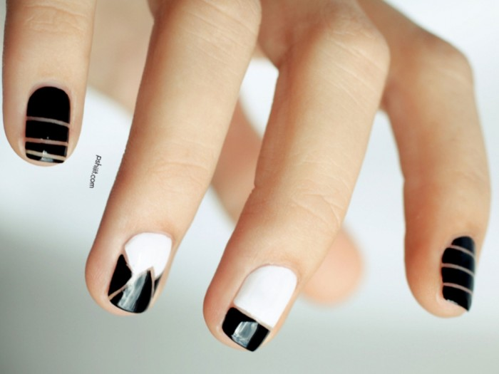 04-nail-art-new-years-black-white_0 Top 10 Latest Beauty Trends That You Should Try