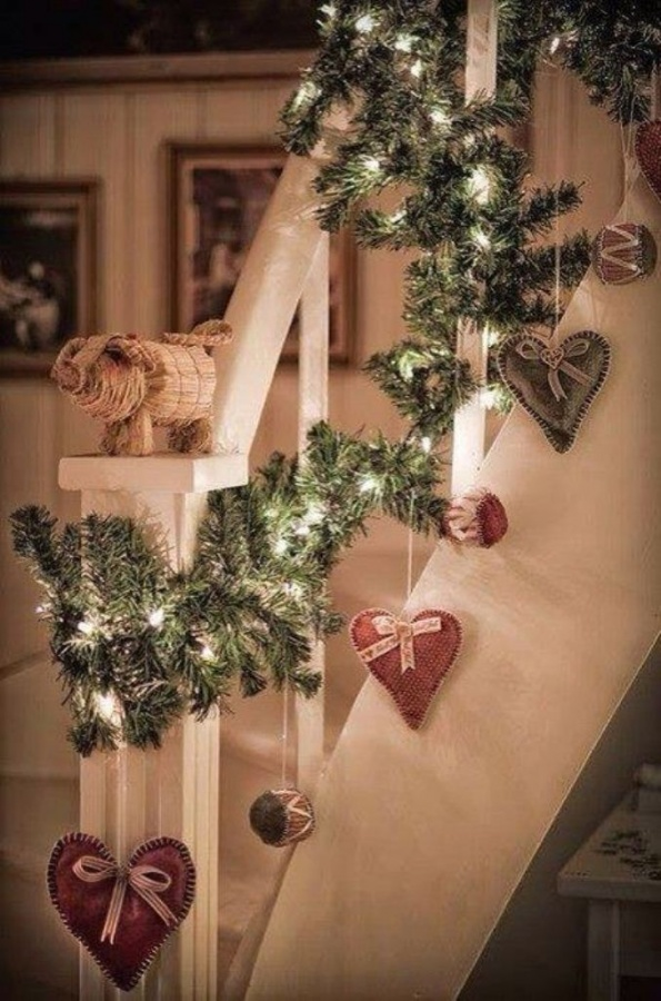 121 65+ Dazzling Christmas Decorating Ideas for Your Home in 2019