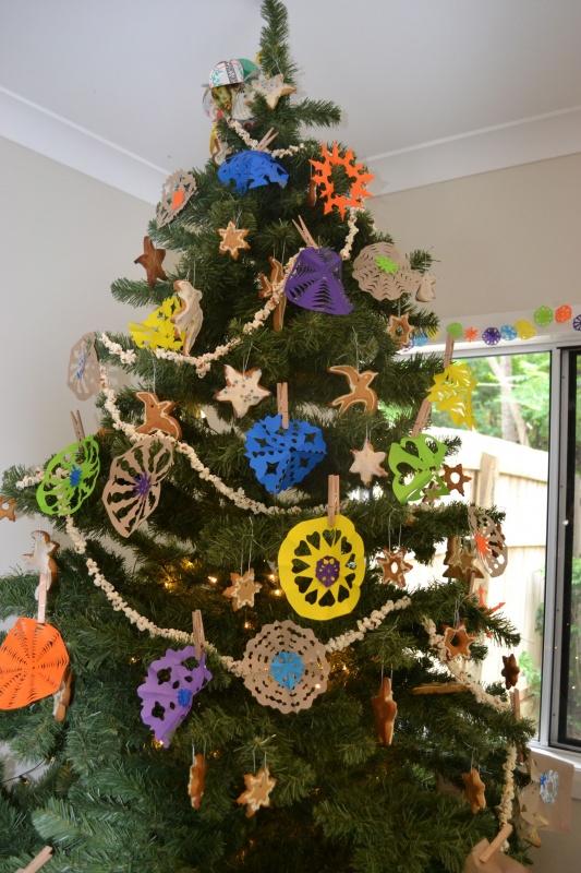 122 79 Amazing Christmas Tree Decorations