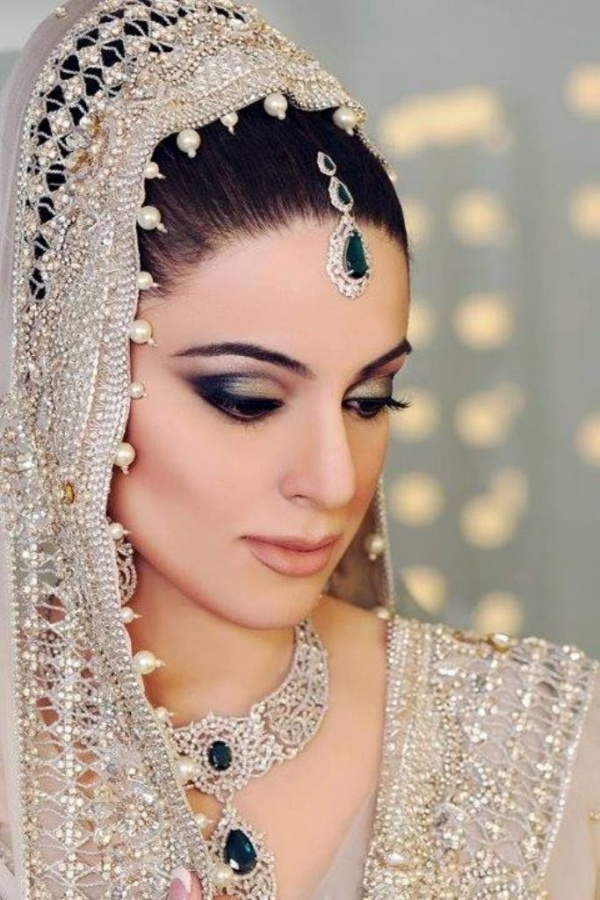1234791_417816051663892_1184525664_n Differences between Engagement & Wedding Make-up, What Are They?