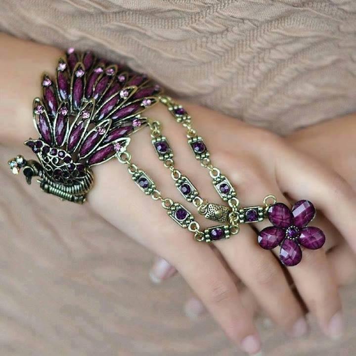 1237149_687078511319739_115981650_n 65 Hand Back Jewelry Pieces for 2018