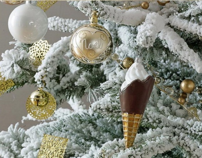 2014-Christmas-decoration-Ideas_theme-golden-glowby-maisons-du-monde-2 65+ Dazzling Christmas Decorating Ideas for Your Home in 2019