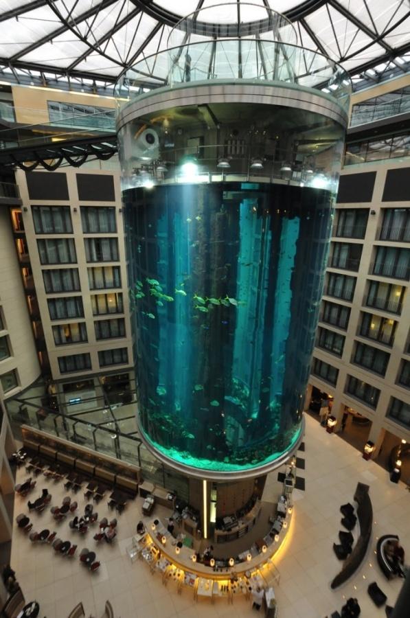22 The World's 20 Weirdest & Craziest Elevators