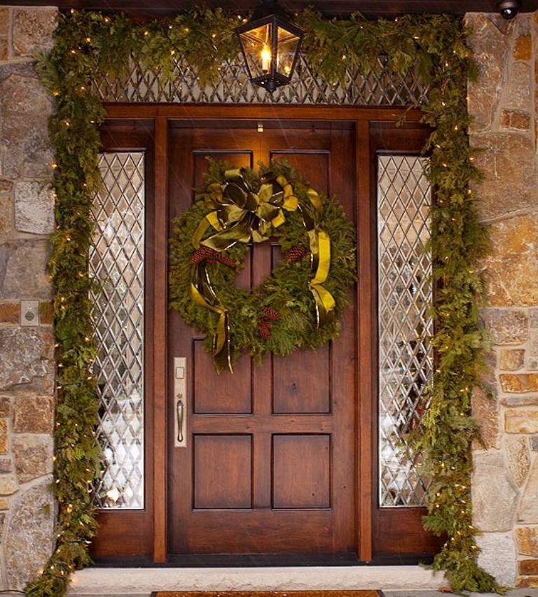 4-Christmas-Porch-decorating-Ideas Dazzling Christmas Decorating Ideas for Your Home in 2017 ... [UPDATED]