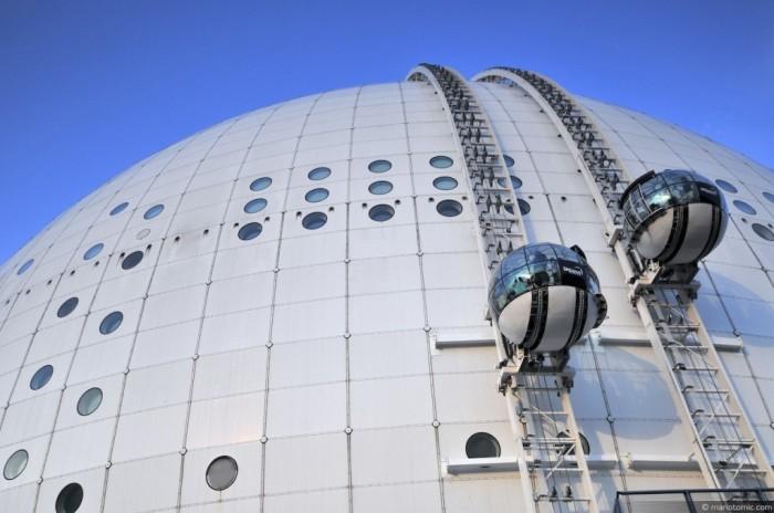5072980229_7c69cbeb28_o The World's 20 Weirdest & Craziest Elevators