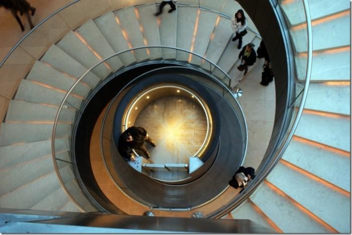 6a00d8341cae9a53ef014e5f41b9c7970c The World's 20 Weirdest & Craziest Elevators