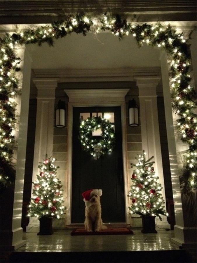 8-Christmas-Porch-decorating-Ideas Dazzling Christmas Decorating Ideas for Your Home in 2017 ... [UPDATED]