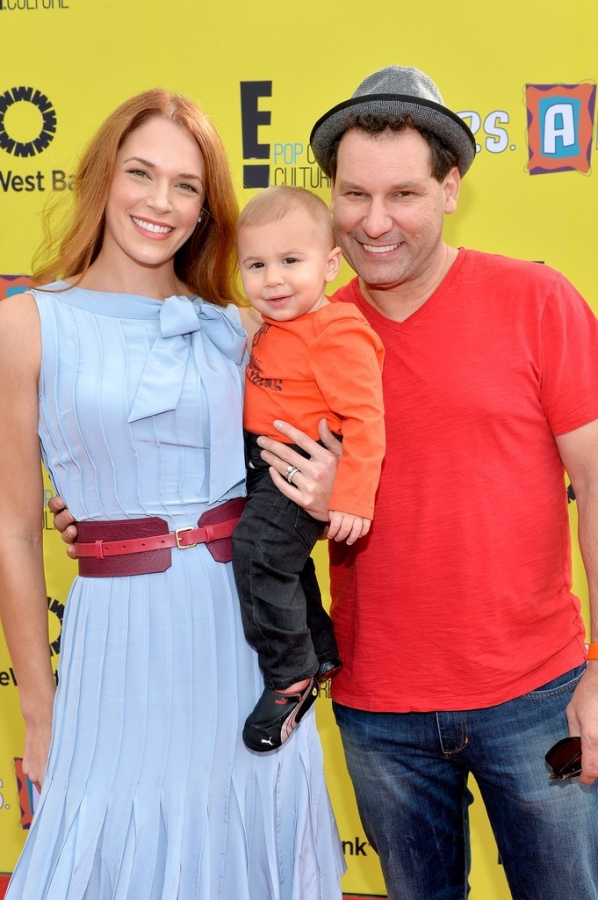 Amanda+Righetti+Jordan+Alan+P+Arts+Express+ArFWtCAYw5ux Celebrities Who Had Babies in 2013, Who Are They?
