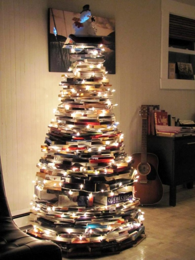 Best-Traditional-Christmas-tree-Ideas 65+ Dazzling Christmas Decorating Ideas for Your Home in 2020