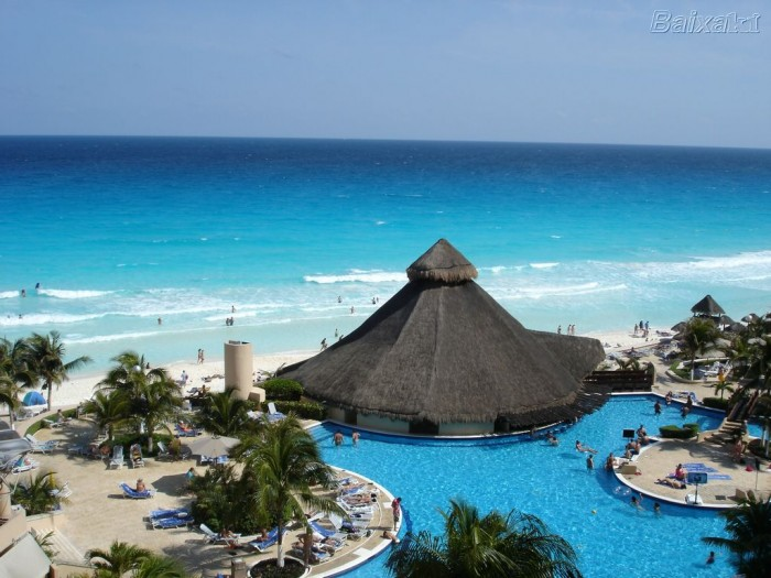 Cancun-beach-resort-Mexico-Tourism Top 10 Romantic Vacation Spots for Couples to Enjoy Unforgettable Time