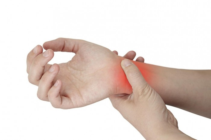 Carpal-Tunnel What Are the Risks of Sleeping Less Than 6 Hours a Night?