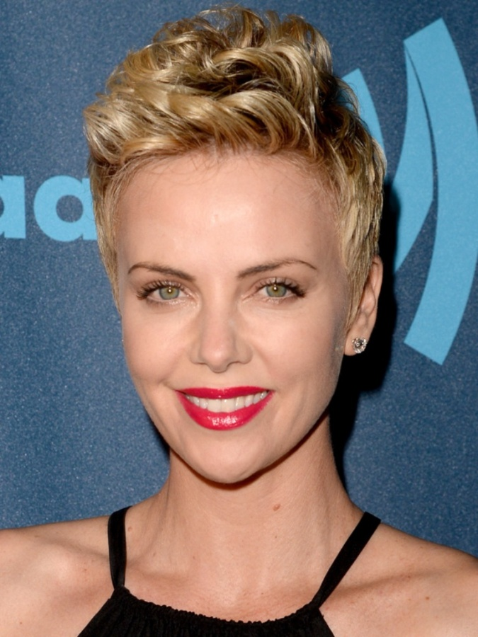Charlize-Theron-GLAAD-Media-Awards-April-2013 20 Worst Celebrities Hairstyles