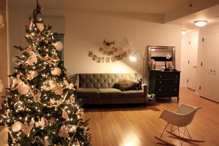 Christmas-Holiday-2014-Decorating-08-1024x683 Dazzling Christmas Decorating Ideas for Your Home in 2017 ... [UPDATED]