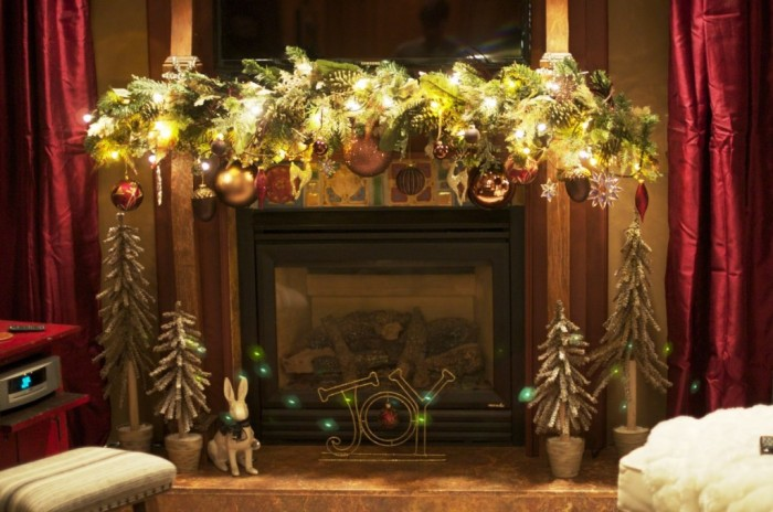 Window sill decorating ideas for Christmas