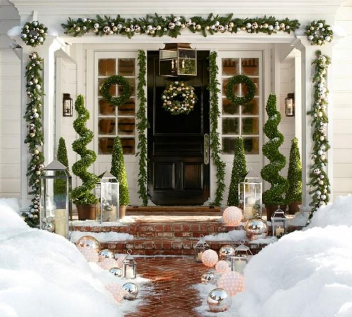 Christmas-Porch-Decorating-Ideas-55-1-Kindesign 65+ Dazzling Christmas Decorating Ideas for Your Home in 2020