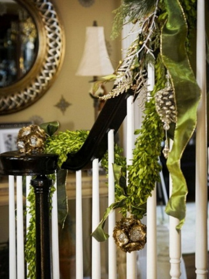 Christmas-Stairs-Decorations-Ideas-44 Dazzling Christmas Decorating Ideas for Your Home in 2017 ... [UPDATED]