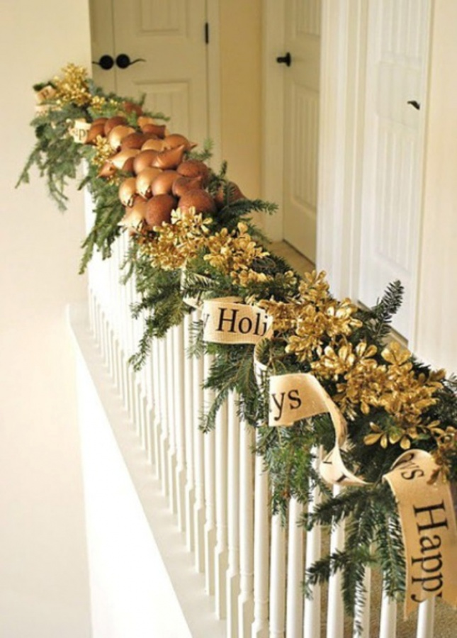 Christmas-Stairs-Decorations-Ideas-45 Dazzling Christmas Decorating Ideas for Your Home in 2017 ... [UPDATED]
