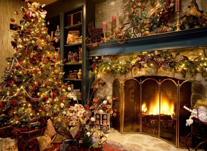 Christmas-Tree-Fireplace-1024-127315 Did You Throw Your Christmas Tree? If It Is Not, Don't Do This