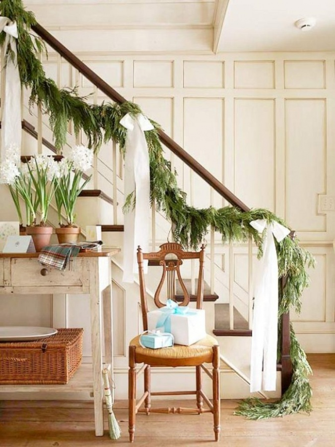 Christmas-garland-decorating-ideas 65+ Dazzling Christmas Decorating Ideas for Your Home in 2019