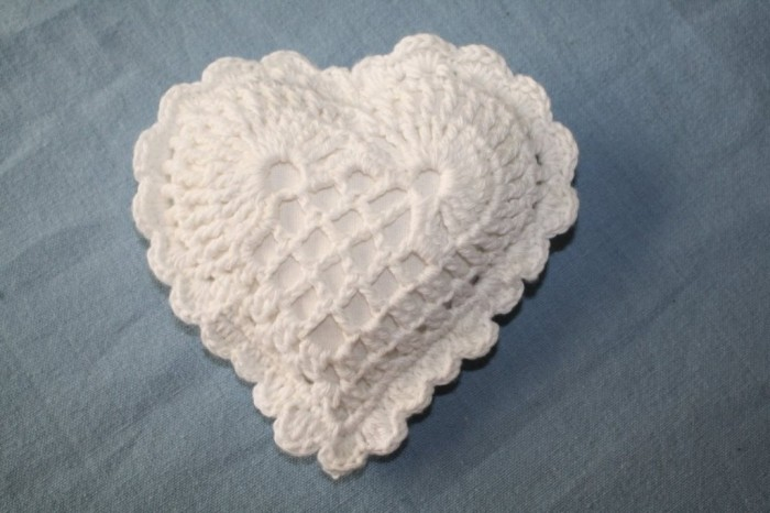 Copy-of-crochet-heart-800x533 Stunning Crochet Patterns To Decorate Your Home & Make Accessories