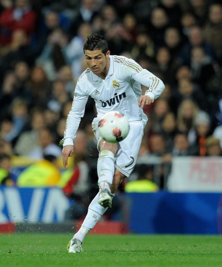 Cristiano-Ronaldo-Hairstyle-2012_17 Cristiano Ronaldo the Best Football Player & the Greatest of All Time
